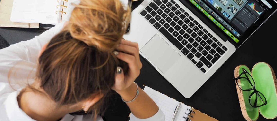 woman w computer